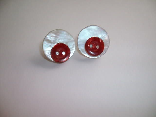 orecchini con bottoni