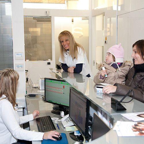 La reception dello studio dentistico Abaco - Monza