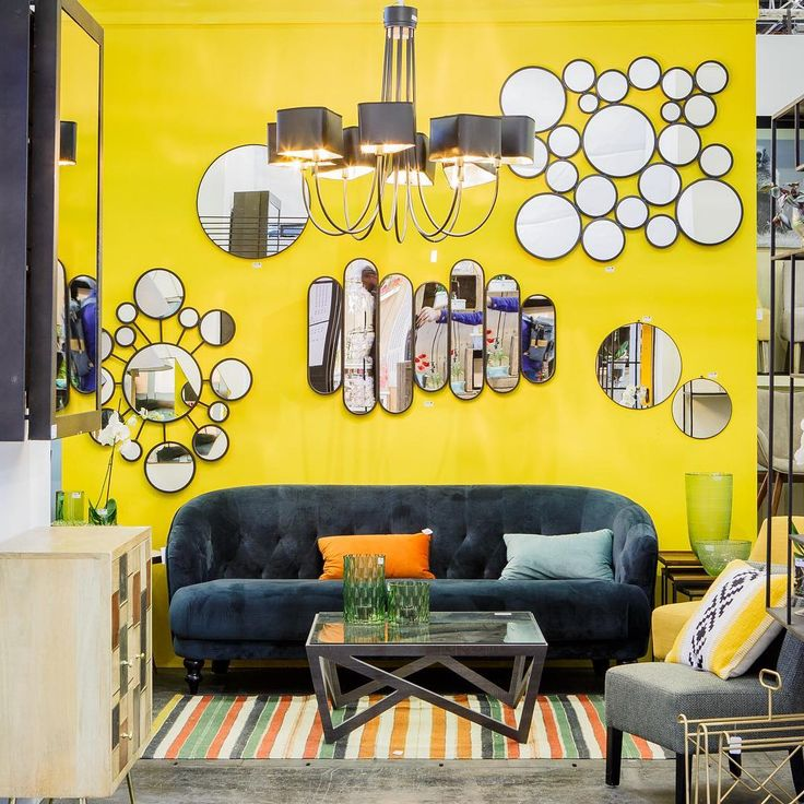 Желтый приносит свет и контраст благородных материалов - Athezza Hanjel 5A B75 / F75 / B86 / D85 Copyright @narophoto # MO17 #interior #home #homedecor #decoration #decorationinterieur #comfort #yellow #colors #design #interiordesign