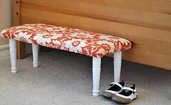 Toddler bench - DIY: Child Benches, Kids Benches, Diy Upholstered, Diy Child, Diy Crafts, Upholstered Benches, Benches Tutorials, Cool Ideas, Diy Benches