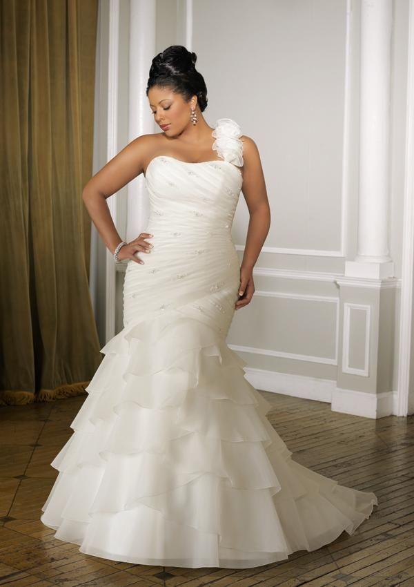 Vestidos de novia para tallas grandes - Para Más Información Ingresa en: http://vestidoscortosdemoda.com/vestidos-de-novia-para-tallas-grandes/