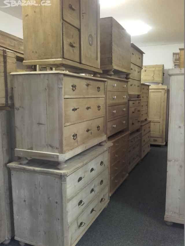 Nabízím staré komody-prádelník po renovaci ze smrkového - obrázek číslo 3