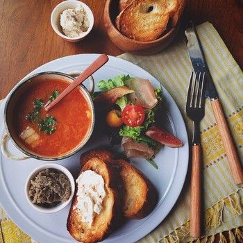 bread+salad+soup