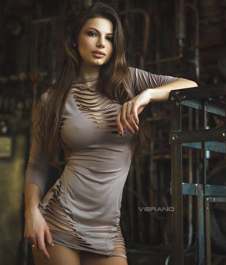 Daria Shy Nude Photos 19