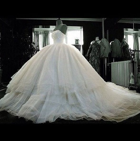 Big puffy ballroom wedding gown dresses pinterest for Beautiful puffy wedding dresses