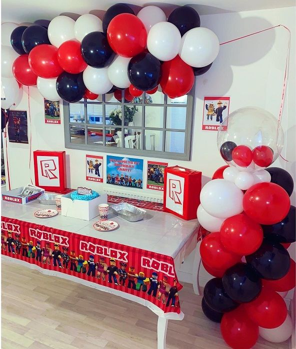 Boys Birthday Cake Ideas: Roblox Themed 8th And 5th Birthday Party