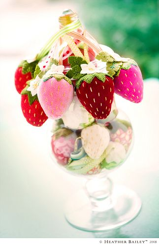 Strawberry pin cushions - floss instead of beads for seeds