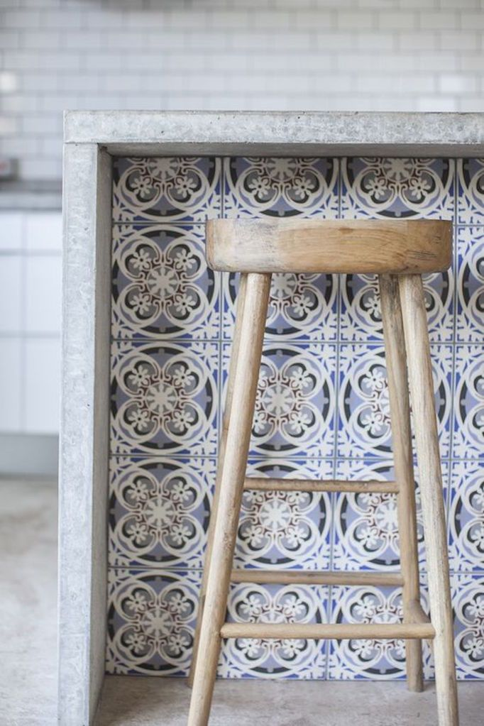 BECKI OWENS - Some Pinterest favorites today on the blog. Pretty encaustic tile paired with concrete counters and warm wood. Image via Rock my Style.
