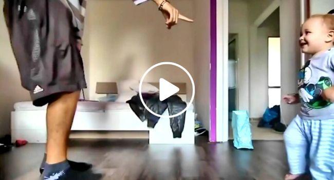 Bebé Aprende Com o Seu Pai Como Dançar Hip Hop, o Resultado é Encantador