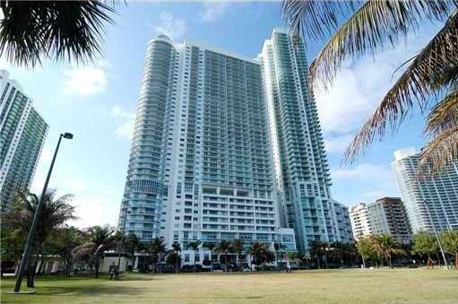The 1800 Club Miami Downtown Condo is one of the latest waterfront luxury condos located in Miami's hottest new area, the Miami Performing Art's District. 1800 Club has one of the best locations of any building in South Florida for the culturally inclined, just 2 blocks Performing Arts Center in Miami, and 5 blocks from the world class Art Museum and Science Center.
