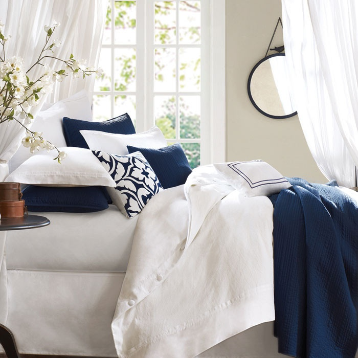 1000+ Ideas About Navy White Bedrooms On Pinterest
