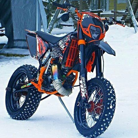 motorcycle supermoto