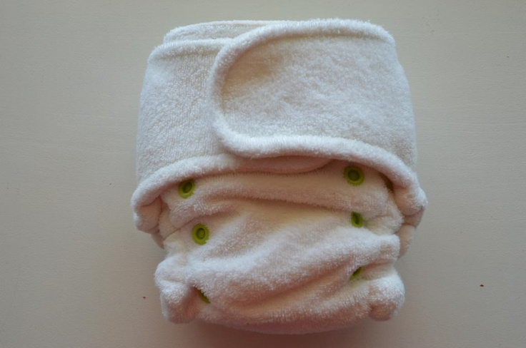 Apple Green Snapless :: Squishy Baby Diaper Co. Online Shop