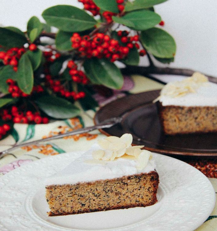 Alice Nicholls Whole Orange and Poppyseed Cake which is gluten-free and sugar free.