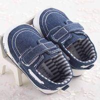 Em 2015 novas sapatas de lona de lazer menino recém-nascidos do bebê sapatos…