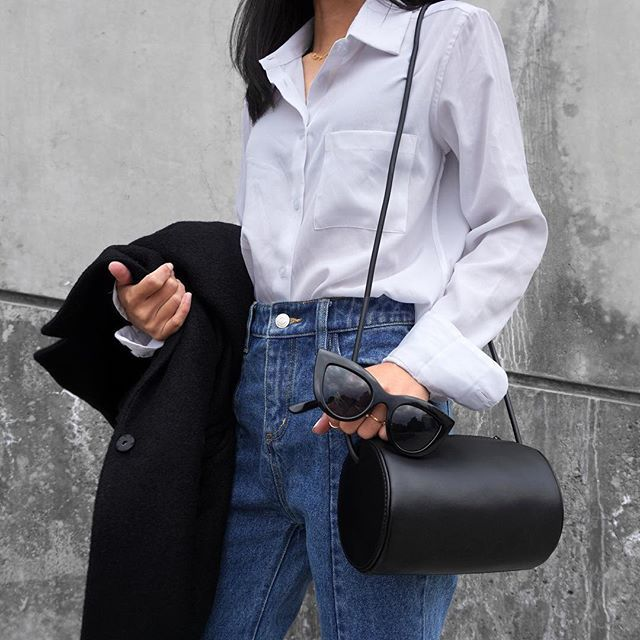 Casual chic 😎 @thefablearchive blouse @mslittlesbag 👝 #thefable #mslittlesbag