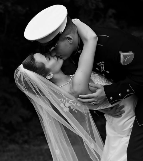 Normally I dont like wedding pictures with guys in there army clothes but this so darling