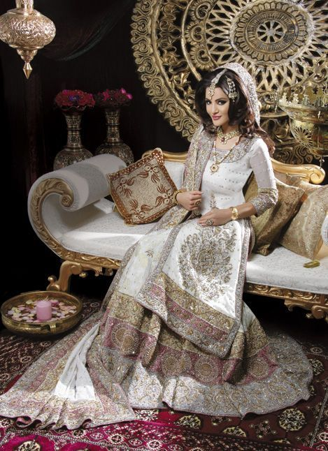 What a beautiful Asian Indian Wedding Gown..