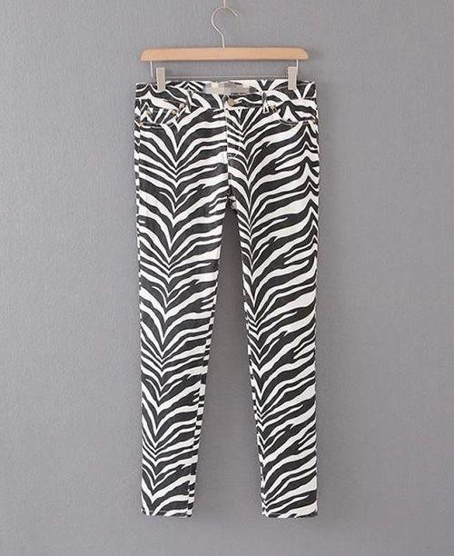 Calça feminina estampa de zebra