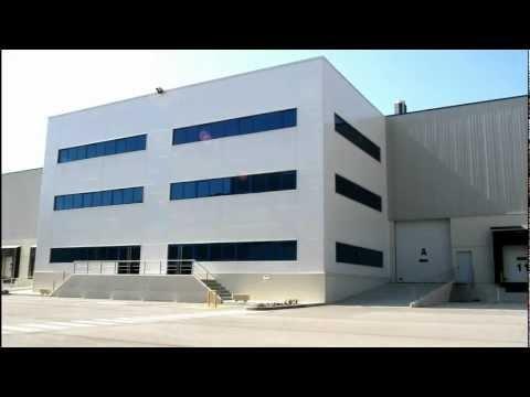 Naves logísticas en Constantí, Tarragona de 5.393 a 42.253m2  -Altura interior libre 10 a 12,20m  -Abundantes muelles de carga y descarga hidráulicos -Zonas amplias para maniobra -Oficinas y vestuarios totalmente acondicionados -Instalaciones contraincendios  (Sprinklers y alarma) -230 plazas de parking. Más información: http://www.estradapartners.com/naves/254/Tarragona.html  Estrada & Partners Asesores Inmobiliarios  93 215 16 50  http://www.estradapartners.com…