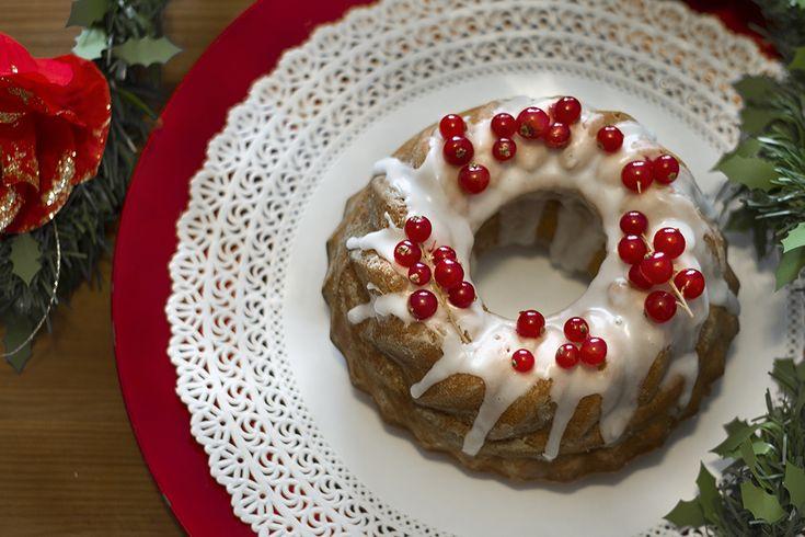 Profumata, speziata, dolce ma non troppo, dalla consistenza umida e morbida,la Gingerbread cake natalizia è la torta di pan di zenzero per eccellenza..