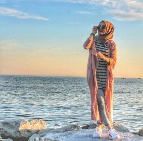 long peach cardigan with adidas shoes- Colorful fashionable hijab outfits…