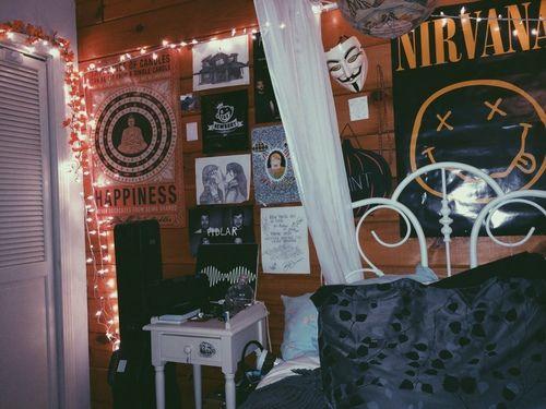 Best 25+ Stoner Bedroom Ideas On Pinterest