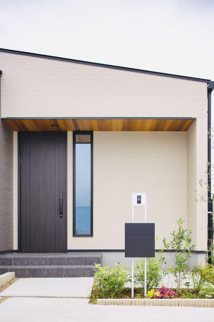 レッドシダーの軒天井がオシャレな玄関 タカトーホーム ホームページ