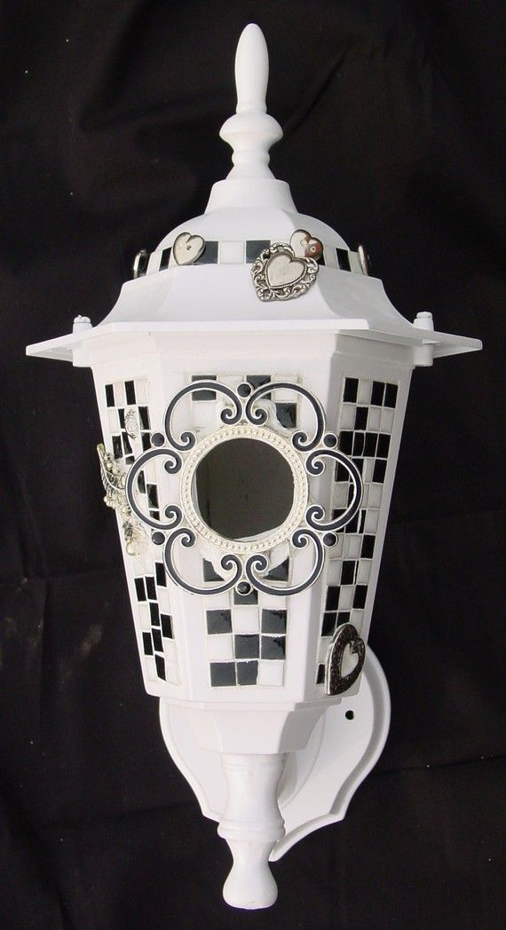 Handmade mosaic WALL MOUNTED birdhouse!Beautiful Birdhouses, Wall Mount, Birds Feeders, Mount Birdhouses, Handmade Mosaics, Mosaics Birdhouses, Birds House, Mosaics Wall, Coolest Birdhouses