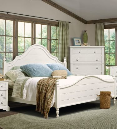 Cottage Grove Queen Poster Bed