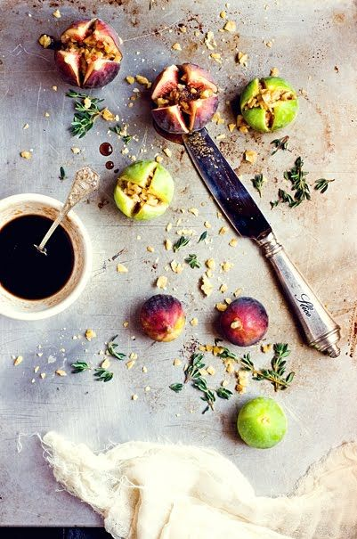 thee perfect summer amuse bouche. Roasted Figs with Prosciutto,Walnuts Figs, and Thyme Recipe #designsponge #dssummerparty