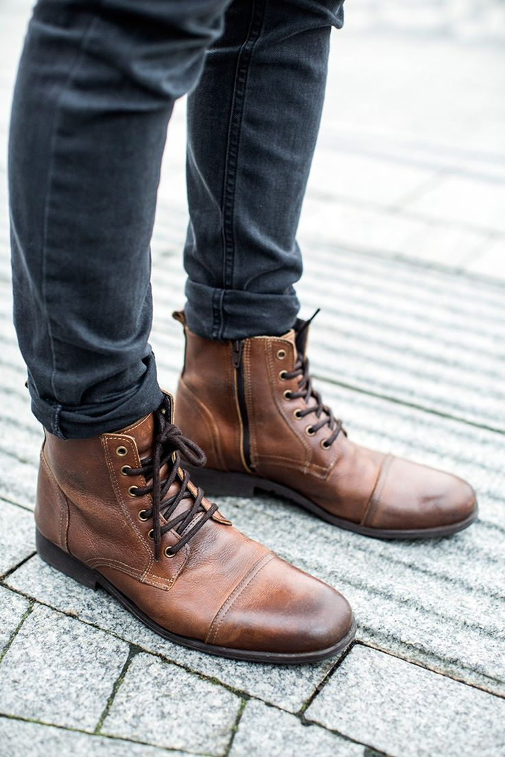 Lace up men boots