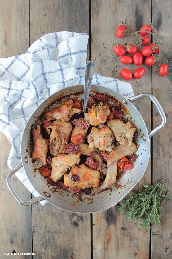 Coniglio con pomodori secchi e olive taggiasche