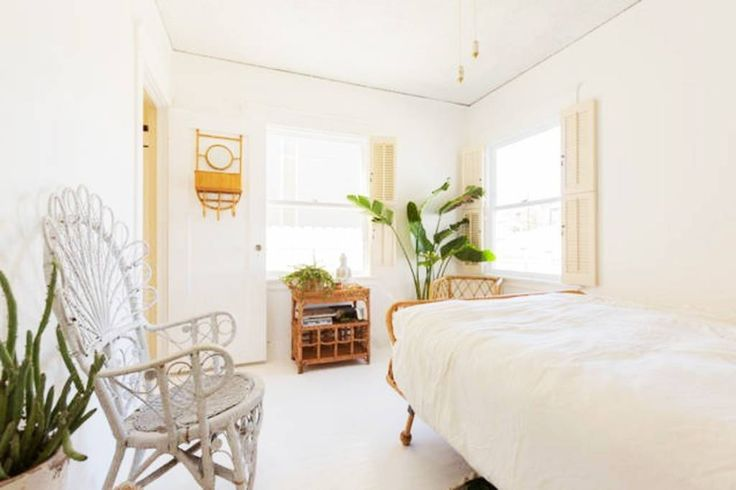 Regardez ce logement incroyable sur Airbnb : : Venice Canals Bohemian Bungalow : - maisons à louer à Los Angeles