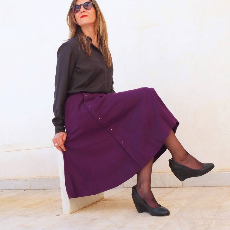 Long Skirt Vintage Flowing with Applique 80s. High Waist Skirt Midi, Wool Winter. Maxi Skirt Buttons Women Skirt. Size S-M Falda Larga Morada con Tachuelas Vintage 80s By RebecaVintageShop on Etsy
