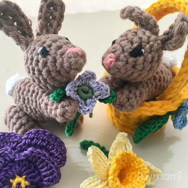 Forleden faldt jeg over disse mægtig søde små harer i minipotter fra tyske Ms. Eni, der udover harerne også har andre søde opskrifter at byde på, bl.a...