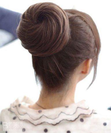 Amazon.co.jp: お団子 ウィッグ 内側にコームが付いているので簡単に装着できます 付け毛 ファッション コスプレ 等手軽にイメチェン! 色は ライトブラウン: 服&ファッション小物