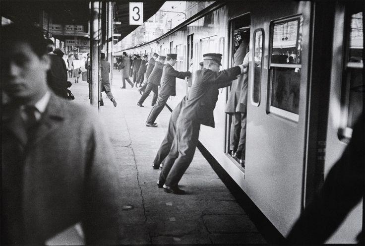 Ed van der Elsken, Subway pushers, Vintage Japan