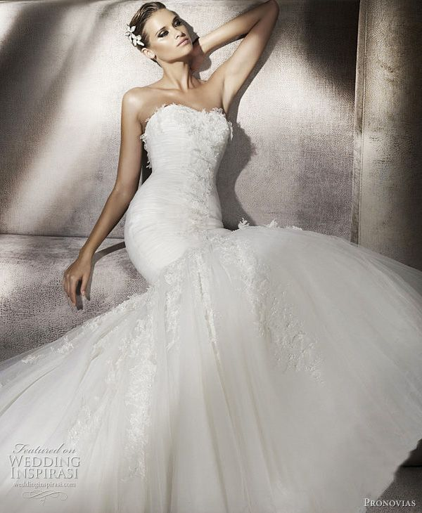 Pronovias Wedding Dresses 2012 — Glamour, Dreams & Ball Gowns Bridal Collections | Wedding Inspirasi