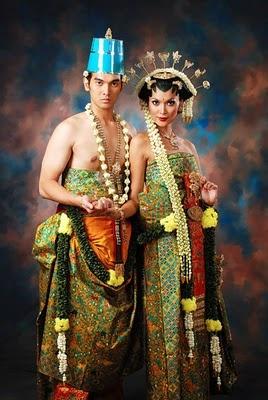 Solo Basahan (Royal Solo, Indonesia) wedding costume