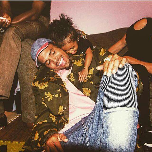 Dont know any cuter thing than this !! Chris brown and royalty
