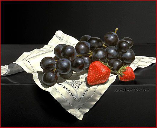 Чёрный виноград и клубника
