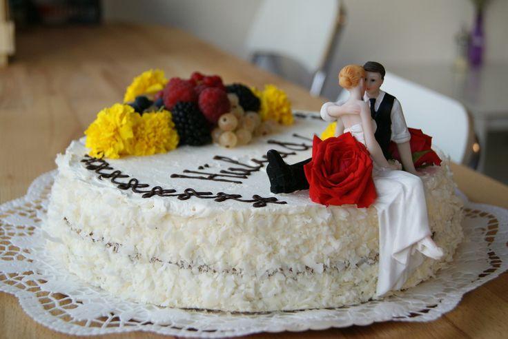 Inkl. Brautpaar aufsatz und hochzeitlicher Dekoration