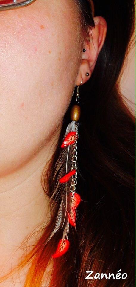 Boucles d'oreilles Zannéo. Rouge et créme