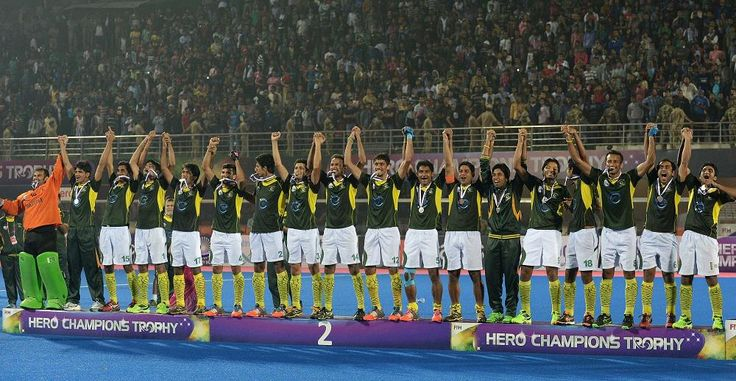 #pakistan > @faizanlakhani Pakistan Hockey team on podium after winning the Silver medal in FIH Champions Trophy. #CT2014 #Hockey #GreenShirts