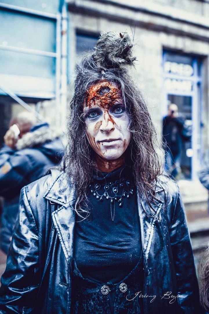 Des zombies dans les rues. Une vidéo de Zombie à Rouen.