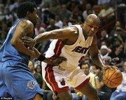 NBA's Antoine Walker offers young athletes financial advice after bankruptcy