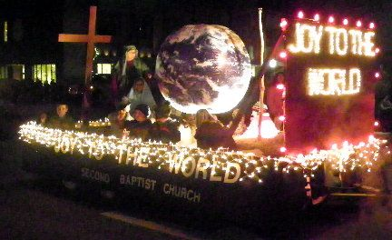 Christian Christmas Parade Floats | ... floats from the Chamber of Commerce Carols of Christmas Parade are