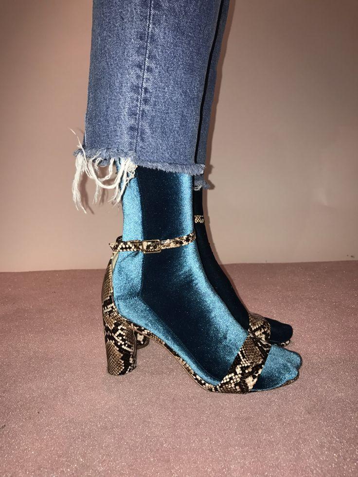 Wild Knottings Velvet Socks