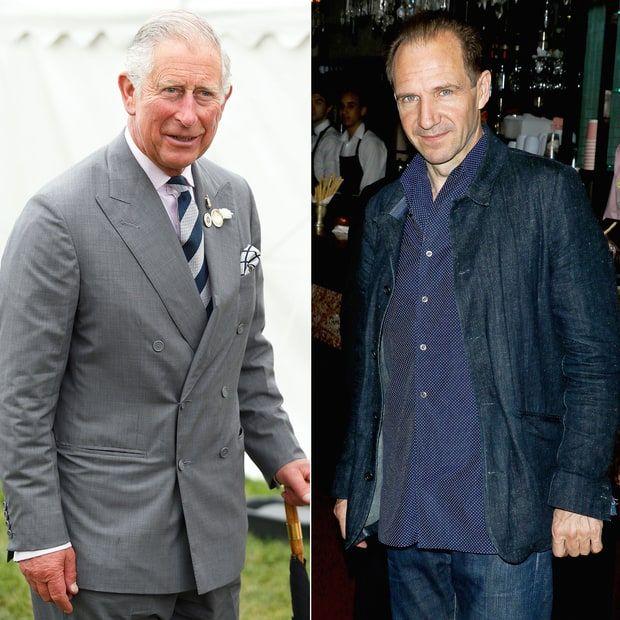 Príncipe Charles e Ralph Fiennes: eles são primos de oitavo grau. Ambos descendem de James II da Escócia, que reinou no século XIV.
